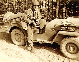 Bill with Jeep-1bh00024a.jpg (33584 bytes)